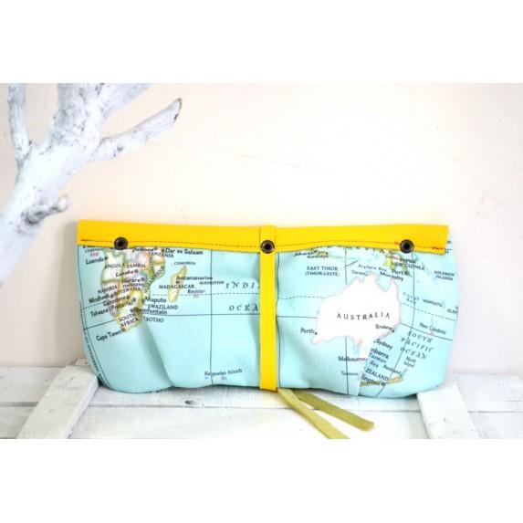 Haritalı El Çantası / Dünya Haritalı Kumaş ve Sarı Deri Clutch Çanta