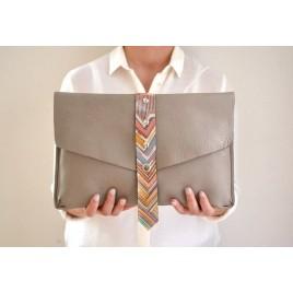 Zarf Model Deri Portföy Çanta / El Boyaması Detaylı Bej Tablet Kılıfı, Clutch Çanta